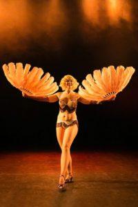 Feather fan dance, Photo by Ester Eyjólfsdóttir