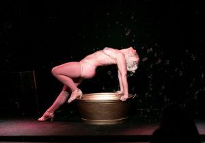 Callista bathes, Photo by Hvergiland photography